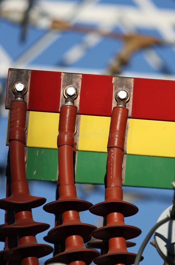 Connettori di rame di un trasformatore di una centrale elettrica fotografie stock