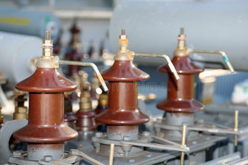Connettori elettrici di vecchio trasformatore di corrente elettrica immagini stock libere da diritti