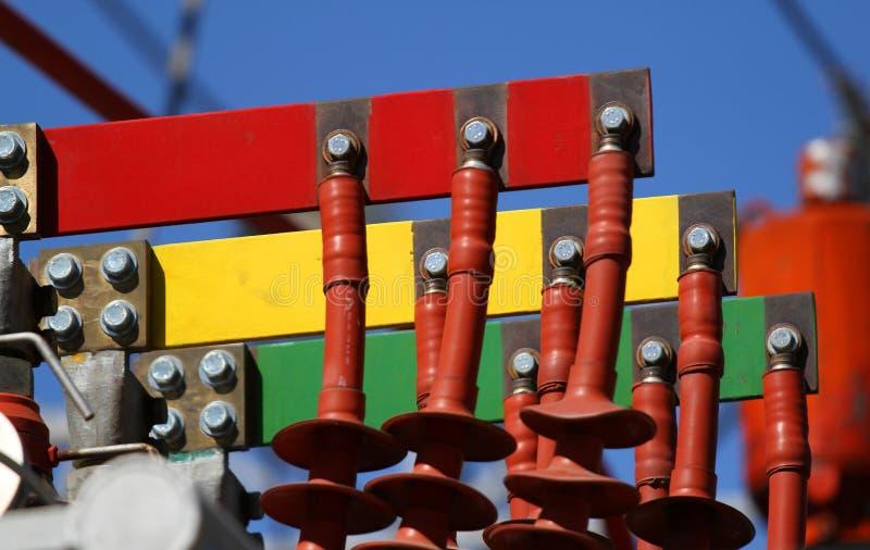 Connettori elettrici RED GREEN e giallo per collegamento al thr fotografia stock libera da diritti