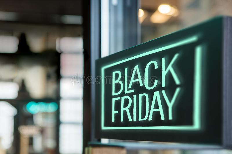 Connexion le magasin Black Friday photographie stock libre de droits