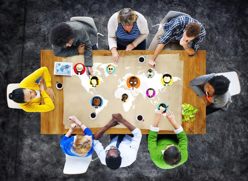 Connexion sociale Conce de mise en réseau de la Communauté de personnes globales du monde image stock