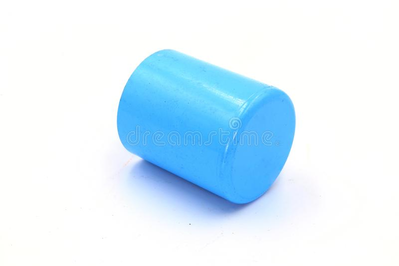 Connexions de tuyau de PVC, montage de tuyau de PVC, accouplement de PVC d'isolement sur le fond blanc images stock