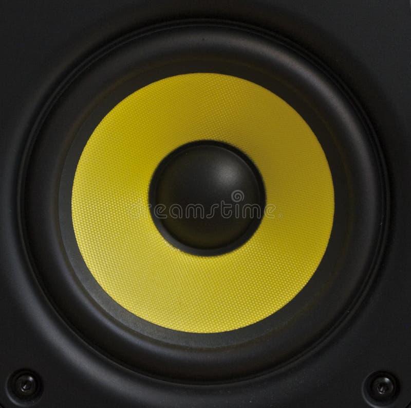 Cono giallo dell'altoparlante fotografia stock