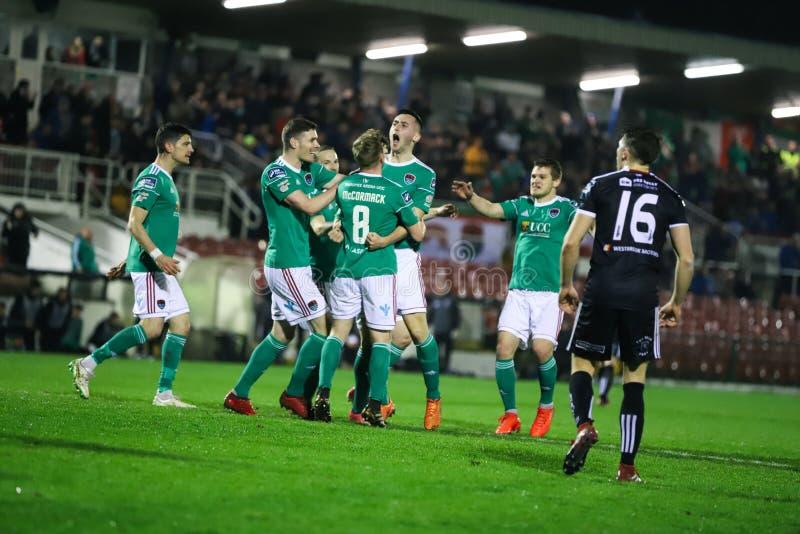 Conor McCarthy-de scores bij Liga van de Eerste Afdeling van Ierland passen Cork City FC versus Boheemse FC aan royalty-vrije stock afbeeldingen