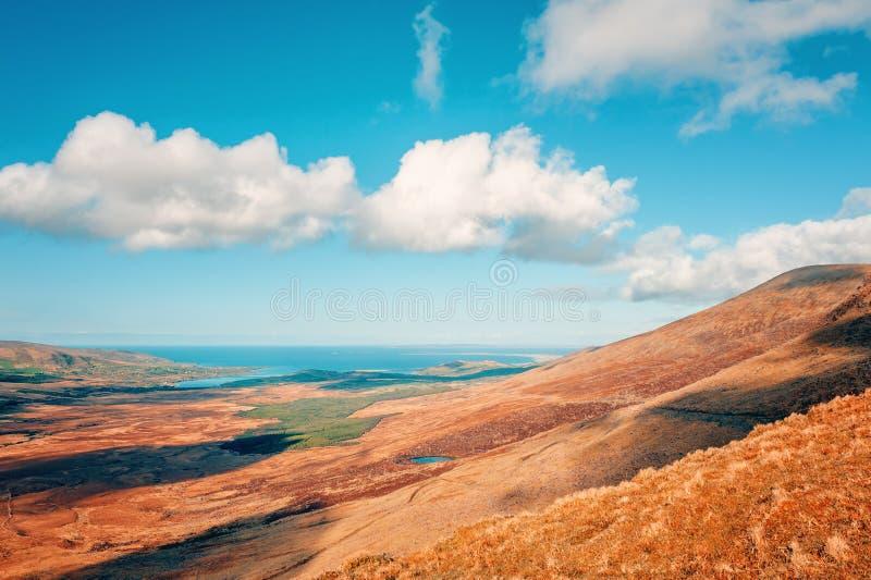 Conor Pass nella costa atlantica ad ovest dell'Irlanda, penisola delle Dingle immagine stock libera da diritti