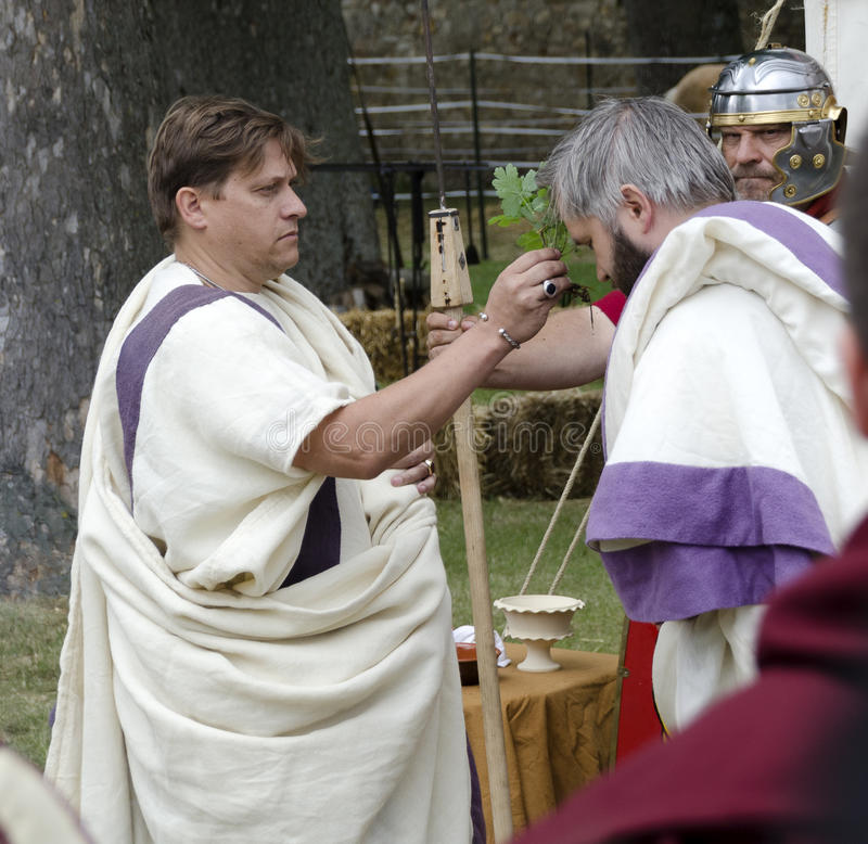 Consecreation ceremonia podczas rzymskiego festiwalu 2017 przy Carnuntum zdjęcia royalty free