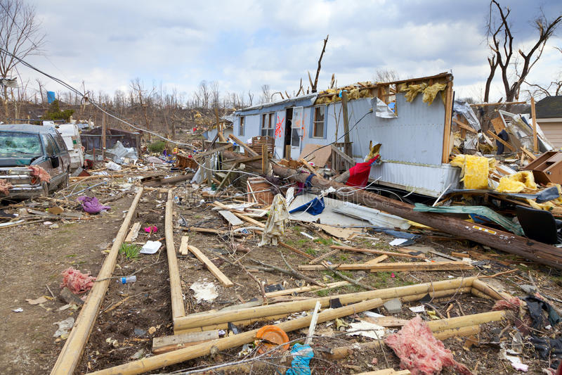 Consecuencias Del Tornado En Henryville, Indiana Imagenes de archivo