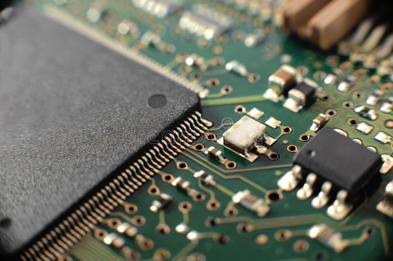 Conseil d'Electonics avec des composants photographie stock libre de droits