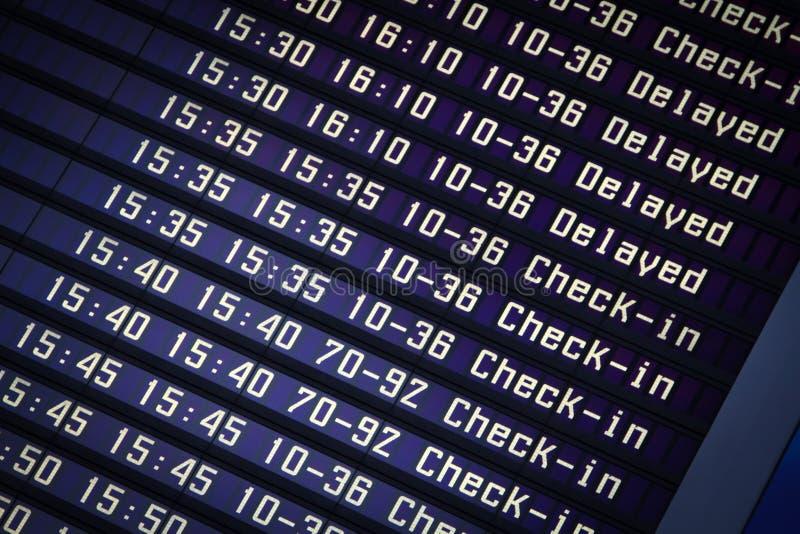 Conseil de l'information de vols dans l'aéroport photo stock