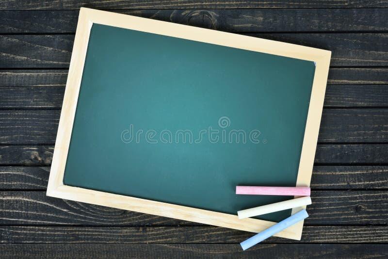 Download Conseil Pédagogique Sur La Table Photo stock - Image du rustique, blackboard: 76080980