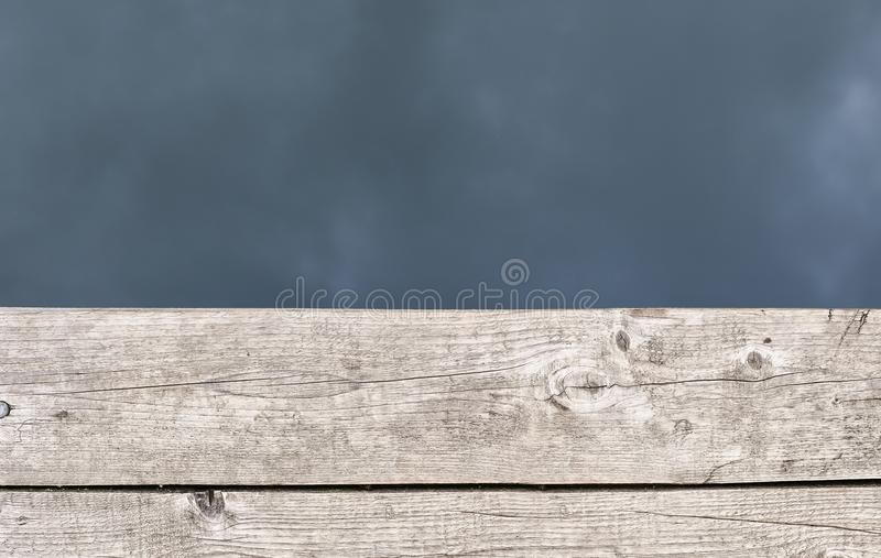 Conseils en bois et eau comme calibre pour la conception photo stock
