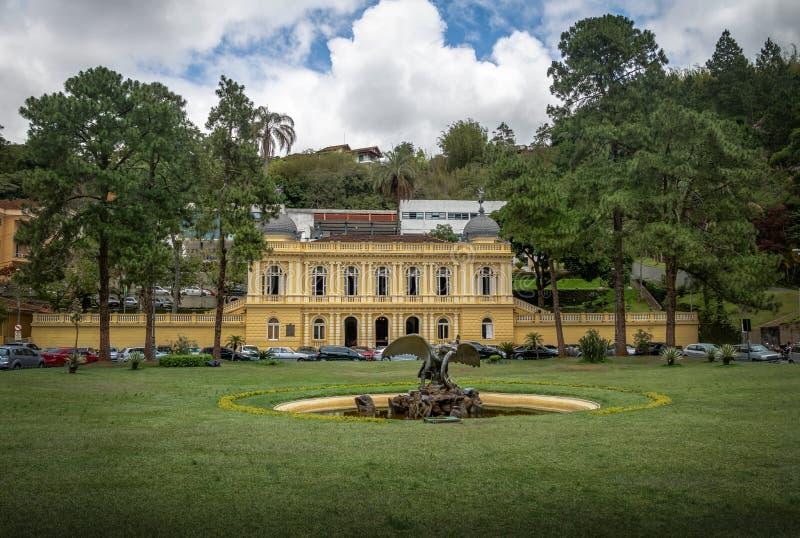 Conselho Municipal amarelo do palácio ou de Palacio Amarelo - Petropolis, Rio de janeiro, Brasil fotografia de stock