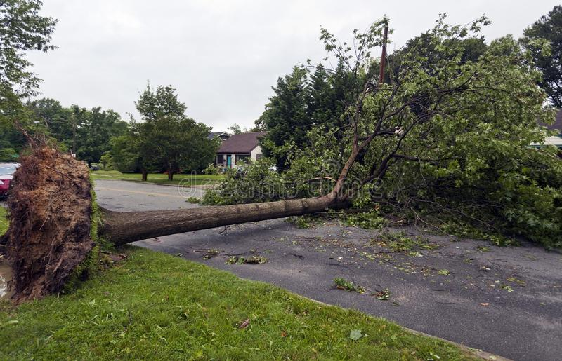 Consequências urbanas violentas da tempestade fotografia de stock