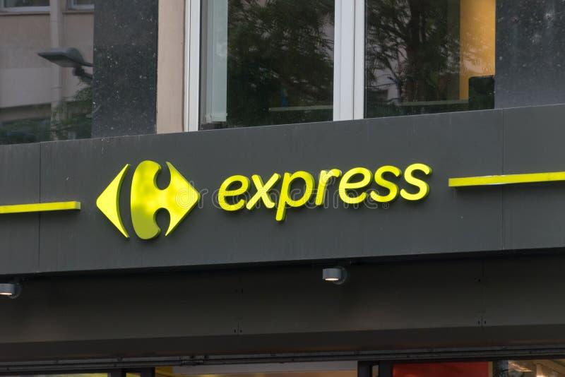 Conservación de Carrefour Express. El Carrefour Express es una cadena de tiendas de conveniencia propiedad de Carrefour, una cade foto de archivo libre de regalías
