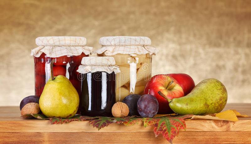 Conservas da fruta foto de stock