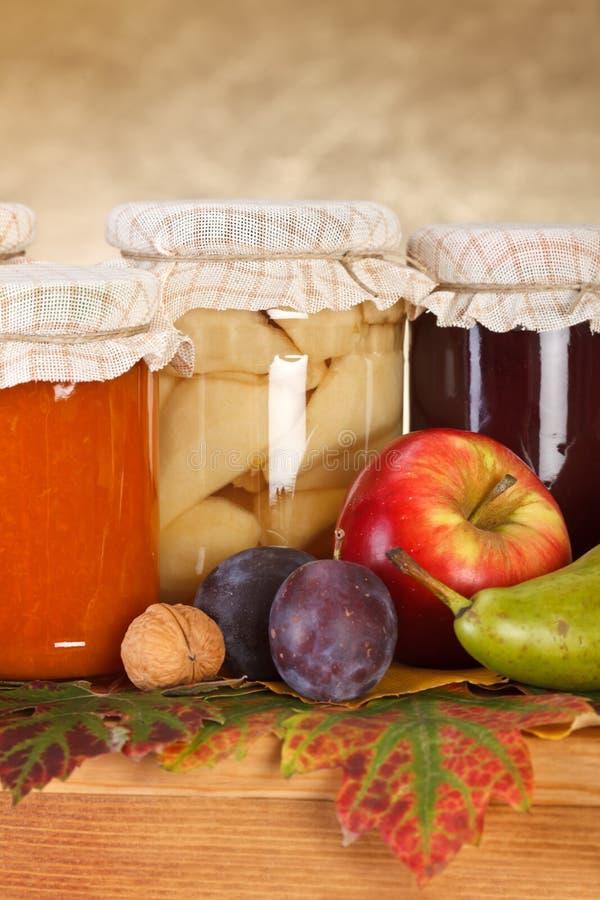 Conservas da fruta fotos de stock royalty free