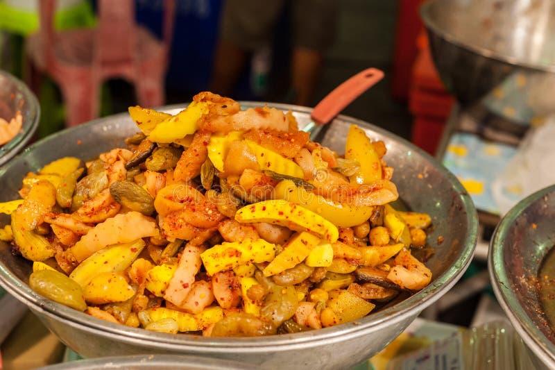 Conservation des aliments marinée par fruit photographie stock