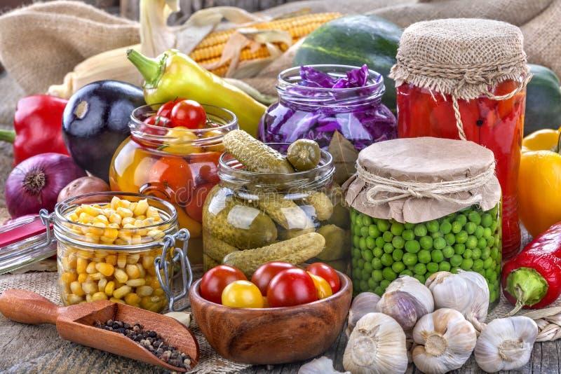 Conservazione di frutta e delle verdure fotografia stock libera da diritti