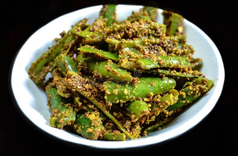 Conserves au vinaigre vertes de piments photos libres de droits