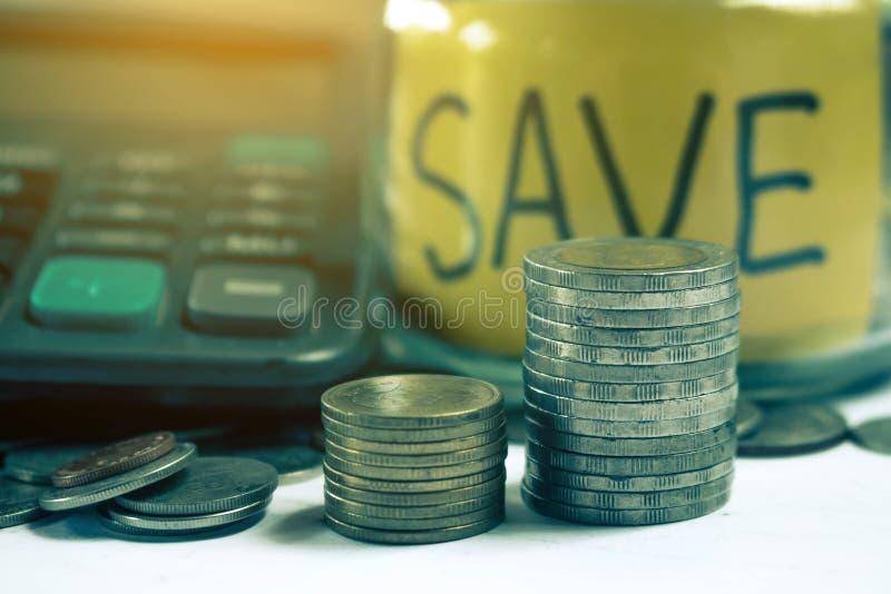 Conservi il concetto dei soldi risparmiano i soldi fotografia stock