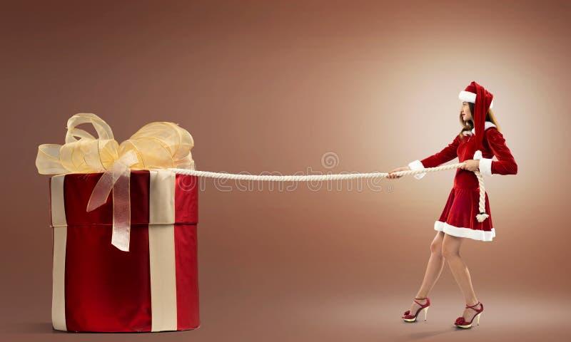 Consiga su regalo de la Navidad imagen de archivo libre de regalías