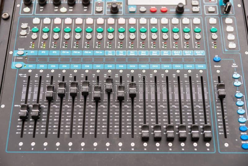 Consola de control audio foto de archivo libre de regalías
