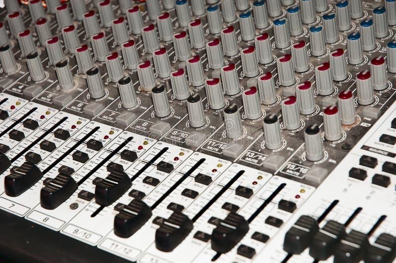 Console de mistura do estúdio de gravação fotografia de stock