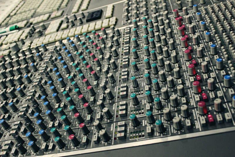 Console de mistura do estúdio de gravação imagem de stock