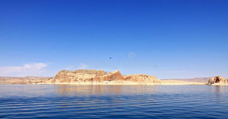 Download Console de Powell do lago imagem de stock. Imagem de paisagem - 16864377