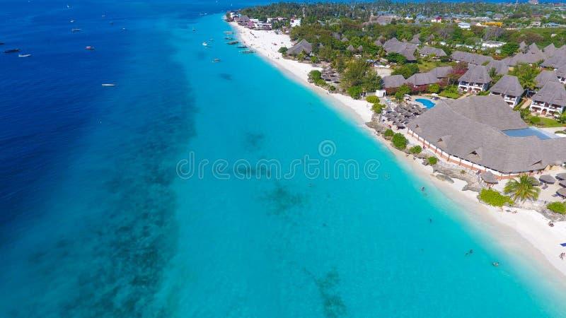 Console do para?so Opini?o a?rea da praia de Zanzibar fotos de stock