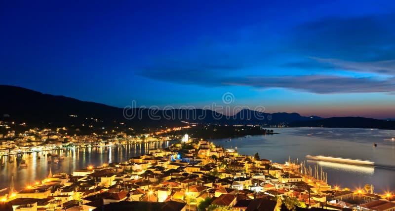 Console grego Poros na noite imagem de stock