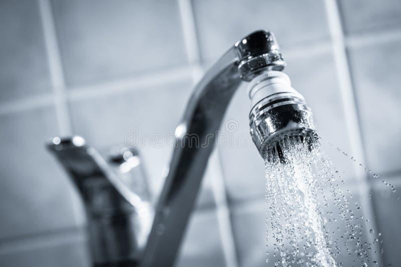 Consommation d'eau images stock