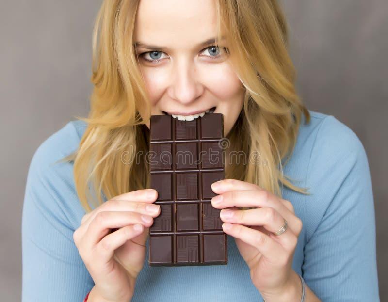 Consommation de chocolat images libres de droits