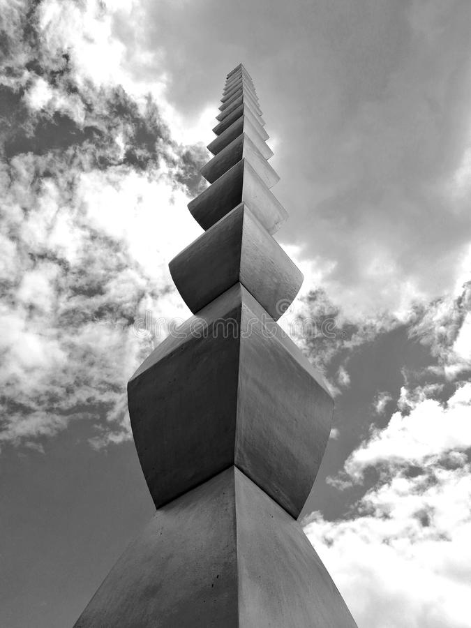 Constantin Brancusi Endless Column imagem de stock