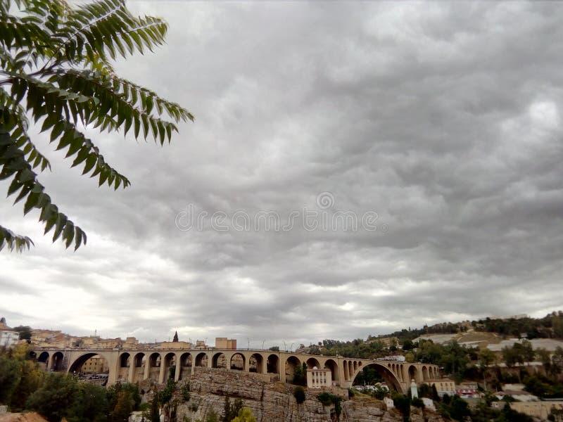 Constantine den rached bridgen av sidien arkivfoto
