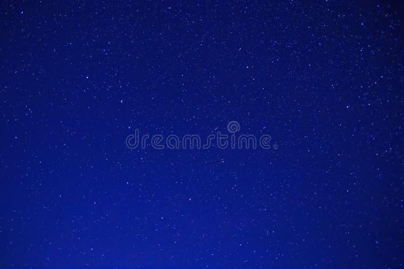 Constelaciones de Ursa Major y de Ursa Minor en cielo nocturno imágenes de archivo libres de regalías