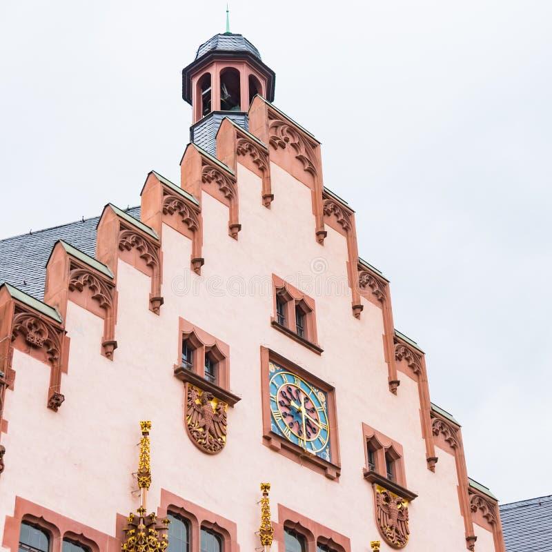 Constituant étroitement le détail à la place de Romerberg, Francfort, Allemagne photo libre de droits