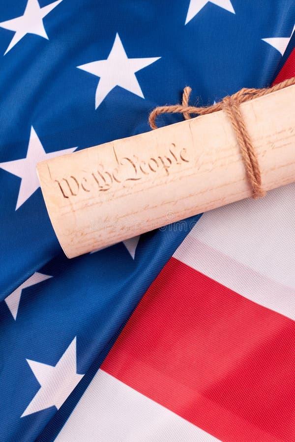 Constitution des Etats-Unis et du drapeau américain photo libre de droits
