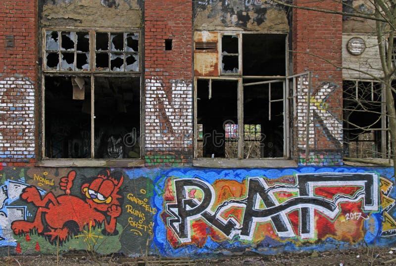 Construção abandonada da fábrica em Tampere fotos de stock