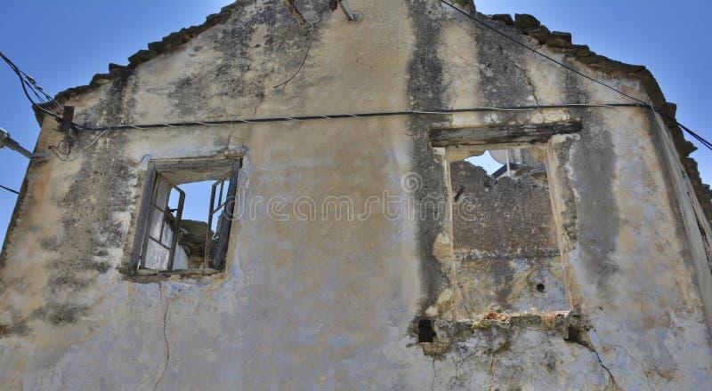 Construção abandonada em Trebinje fotos de stock