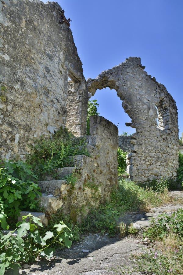 Construção abandonada em Trebinje imagem de stock royalty free