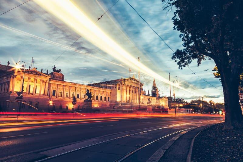 Construção austríaca do parlamento em Ring Road em Viena foto de stock royalty free