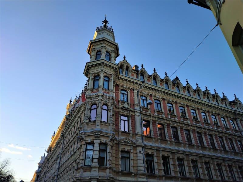 Construção bonita de Art Nouveau em Pohjoisesplanadi famoso em Helsínquia fotos de stock royalty free