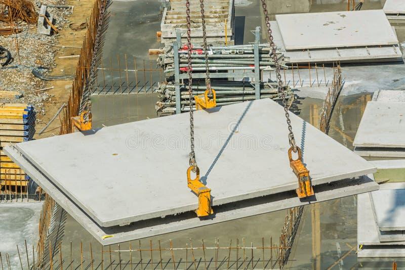 Construção civil com muros de cimento imagem de stock