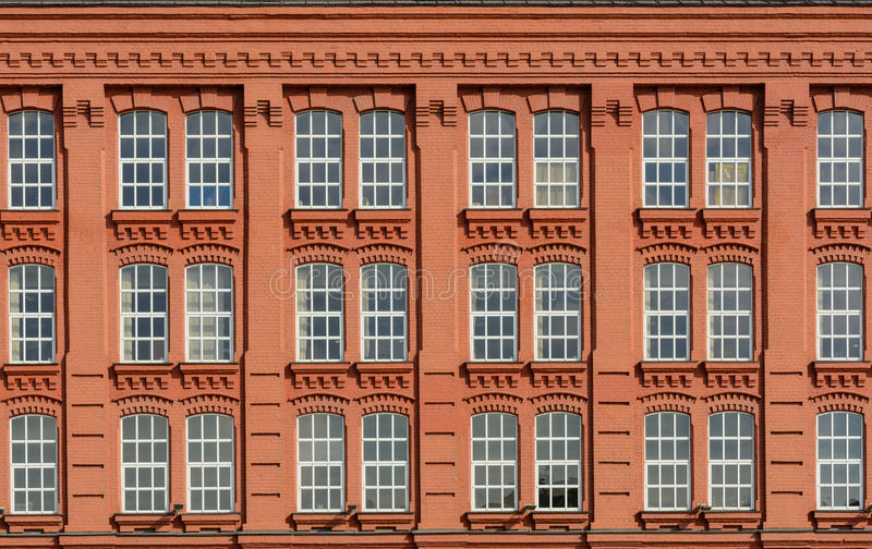 Construção clássica da fachada da arquitetura do vintage fotos de stock royalty free