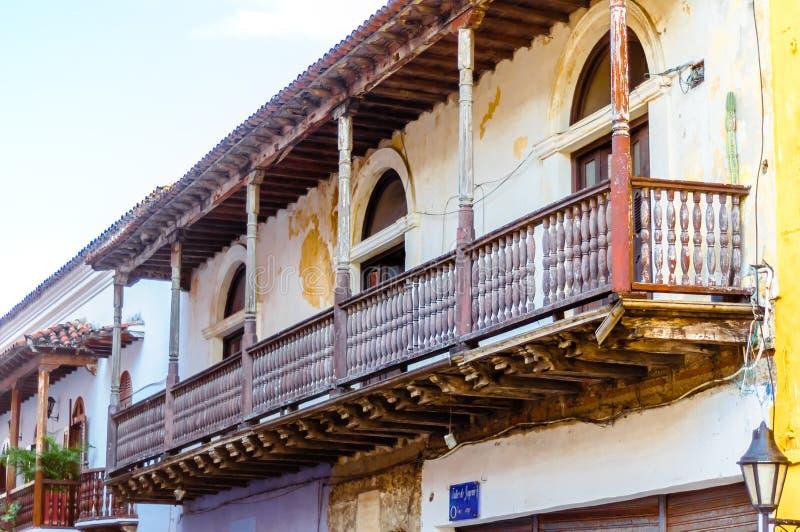 Construção colonial de Abonded em Cartagena - Colômbia foto de stock