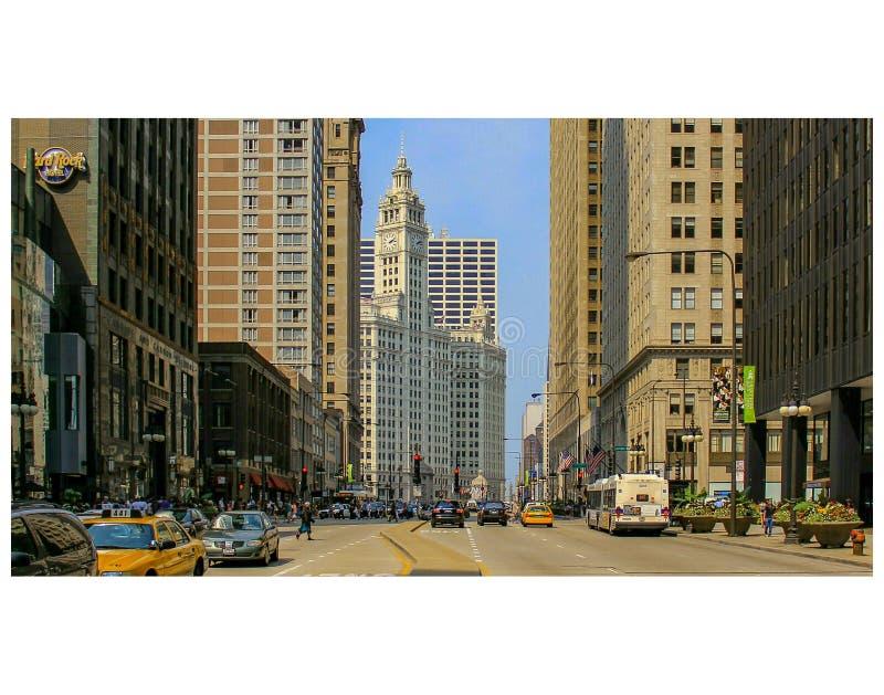 Construção da avenida e do Wrigley do ` s Michigan de Chicago ao sul do rio fotos de stock royalty free