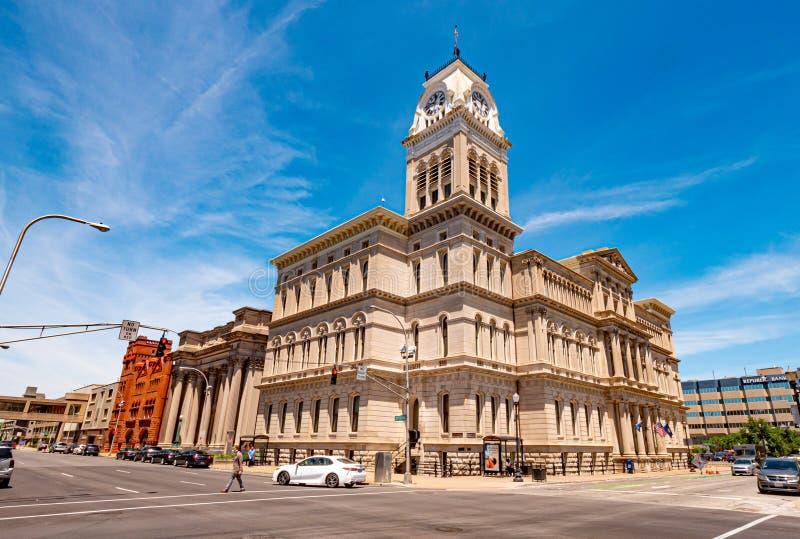 Construção da câmara municipal de Louisville - LOUISVILLE, EUA - 14 DE JUNHO DE 2019 imagens de stock royalty free