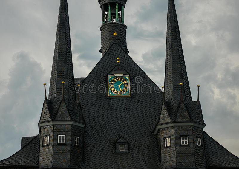 A construção da câmara municipal de Wernigerode, Alemanha imagem de stock