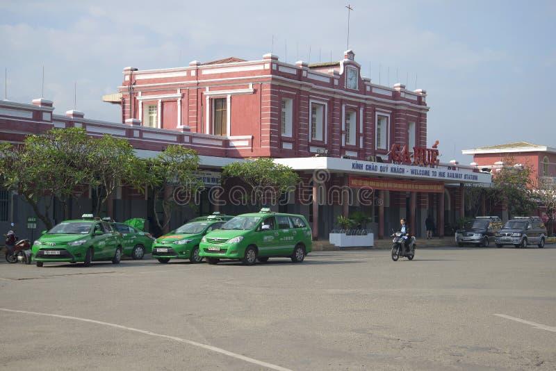 A construção da estação de trem na matiz vietnam fotos de stock